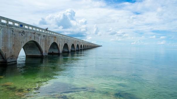 www-oooyeah-de_floridakeys_bridge_gespiegelt
