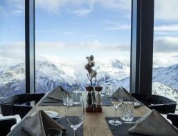 soelden-gourmetrestaurant-iceq-tisch-5-tiroler-gletscher-www-oooyeah-de