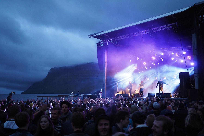 G_Festival_FaroeIslands_Stage_Daemmerung_www.oooyeah.de