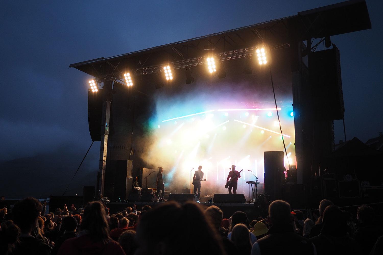 G_Festival_FaroeIslands_Stage_Farbspiel_www.oooyeah.de