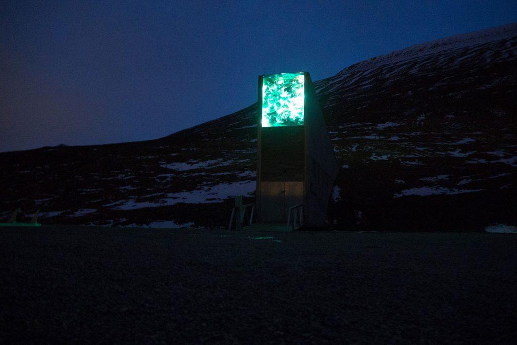spitsbergen gekommen um zu bleiben out of office. Black Bedroom Furniture Sets. Home Design Ideas